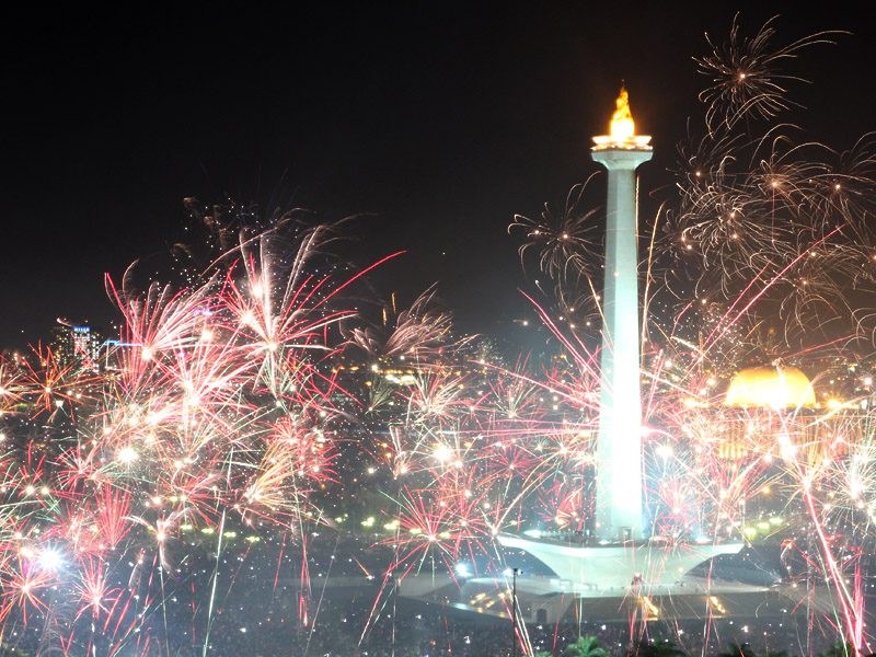 Unique Traditions of Three New Years in Indonesia