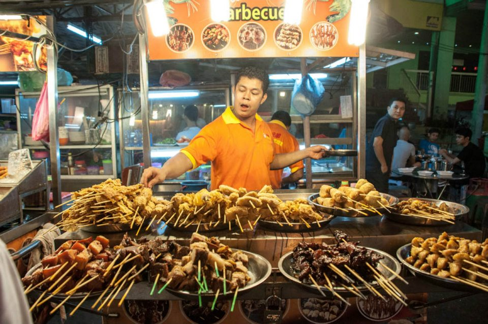 Exploring Malaysia's Tourism and Cuisine