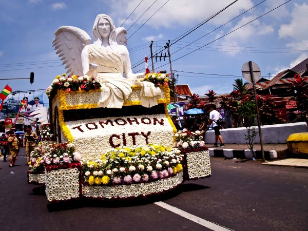Catch Beautiful 2014 Flower Festival in Tomohon, North Sulawesi