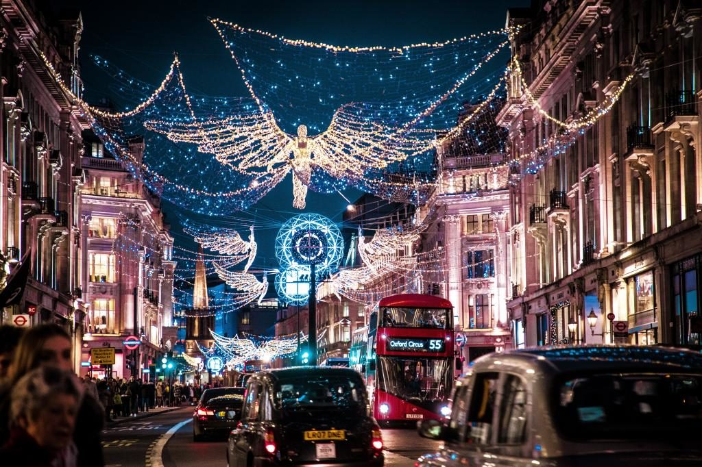 5 Best Places to Visit in the UK for the Winter Holidays