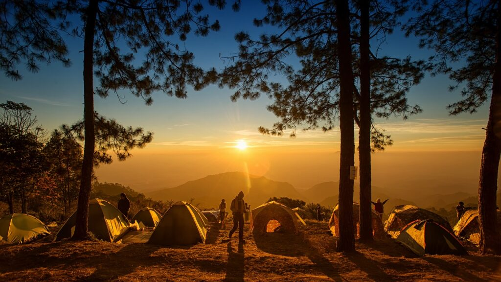 Head Out and Camp! Turn Your Boring Weekend into Adventures